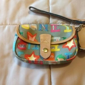 Pre-owned Dooney & Bourke wristlet